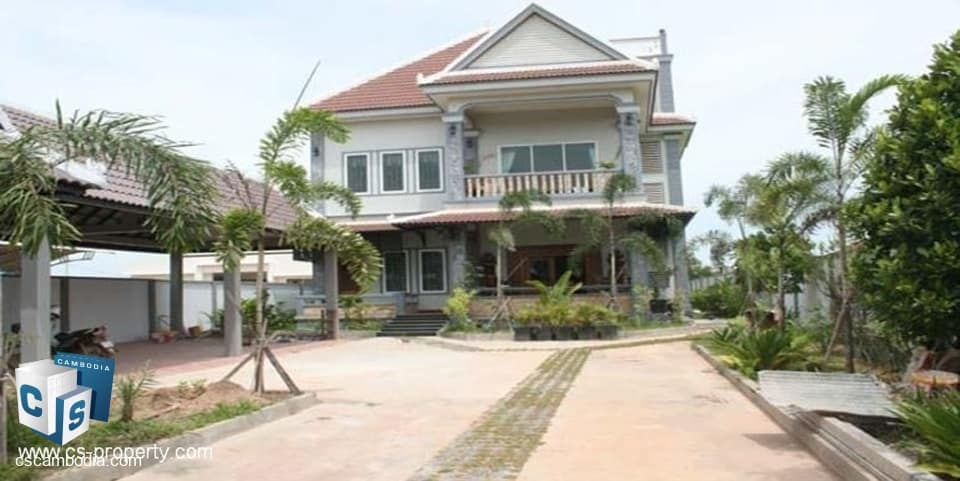 large 6-bedroom house and grounds – for rent – siem reap