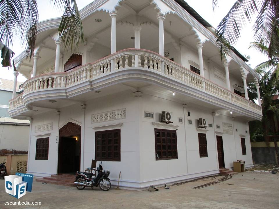 11 Bedroom Guesthouse – for Rent – Sterng Thmey Village – Svay Dangkum Commune – Siem Reap