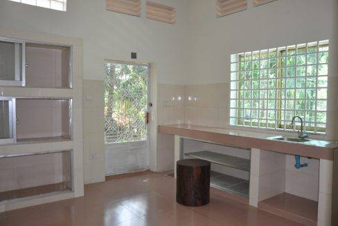 4 bed -house-rent-650-siem reap (7)