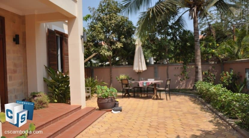 4 bed -house-rent-pool-siemreap (10)