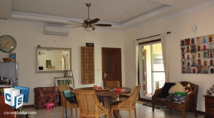 4 bed -house-rent-pool-siemreap (7)