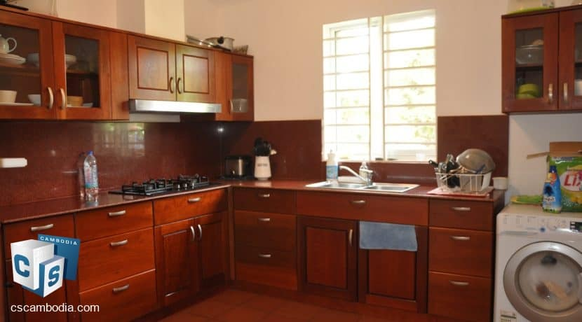 4 bed -house-rent-pool-siemreap (8)