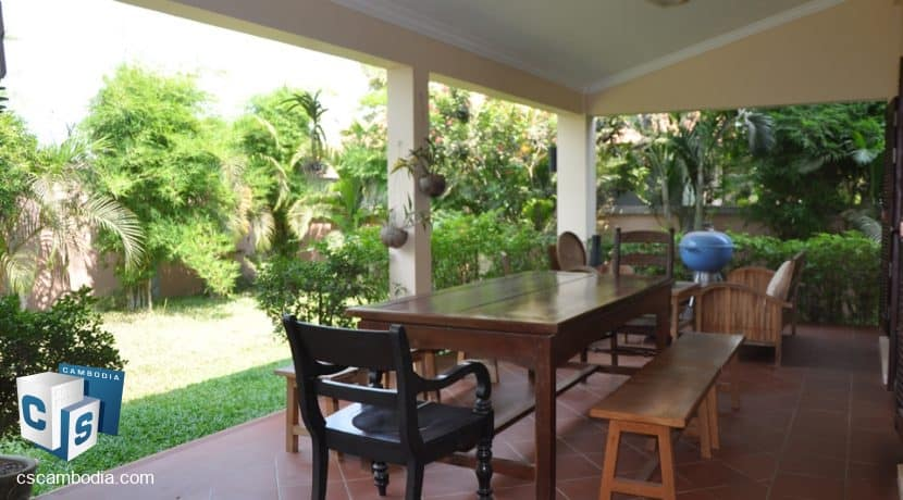 4 bed -house-rent-pool-siemreap (9)