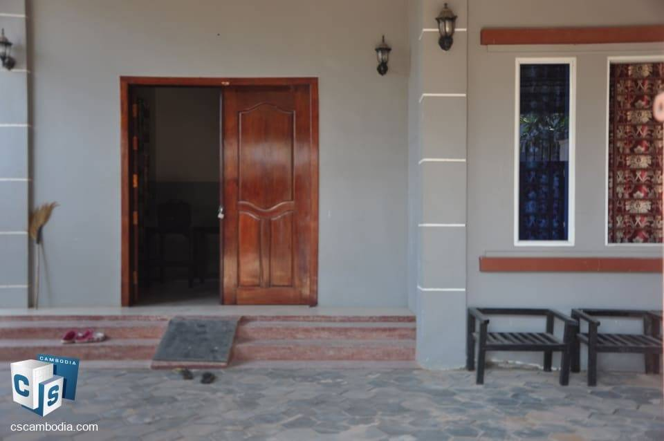 2 bedroom house – 5 mins walk from Night Market St. – for rent – siem reap