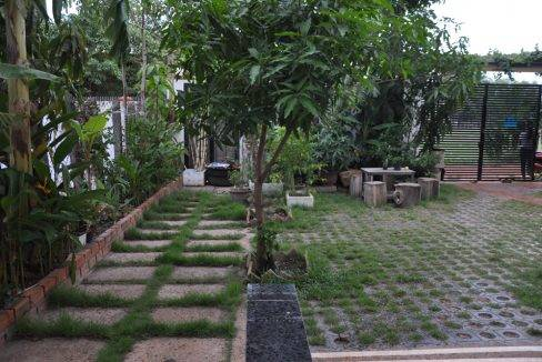 5 Bedroom House - For Rent (4)