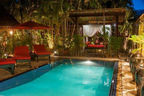 resort-la-villa-loti-siem-reap-pool-night-view-