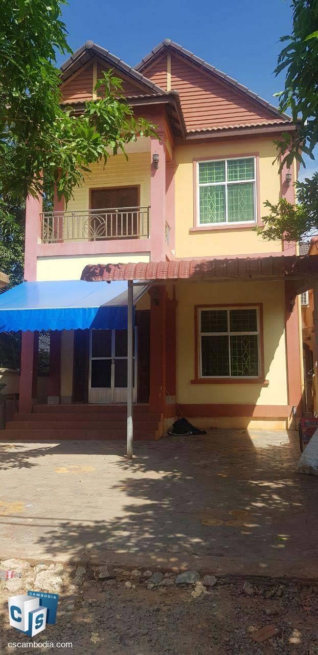 5 Bedroom house – For Rent –  Kruos Village–Svay Dangkum- Siem Reap