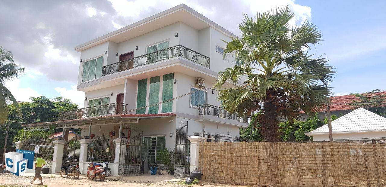 6 Bedroom House – For Sale – Wat Svay Village – Sala Kamreuk Commune – Siem Reap