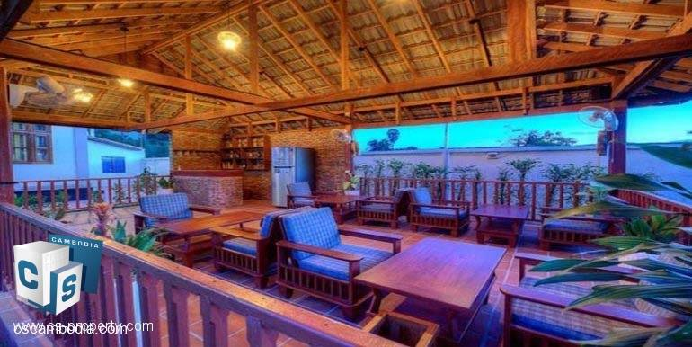 Guest-House-For-Rent-Siem-Reap-Dining-table-770x386