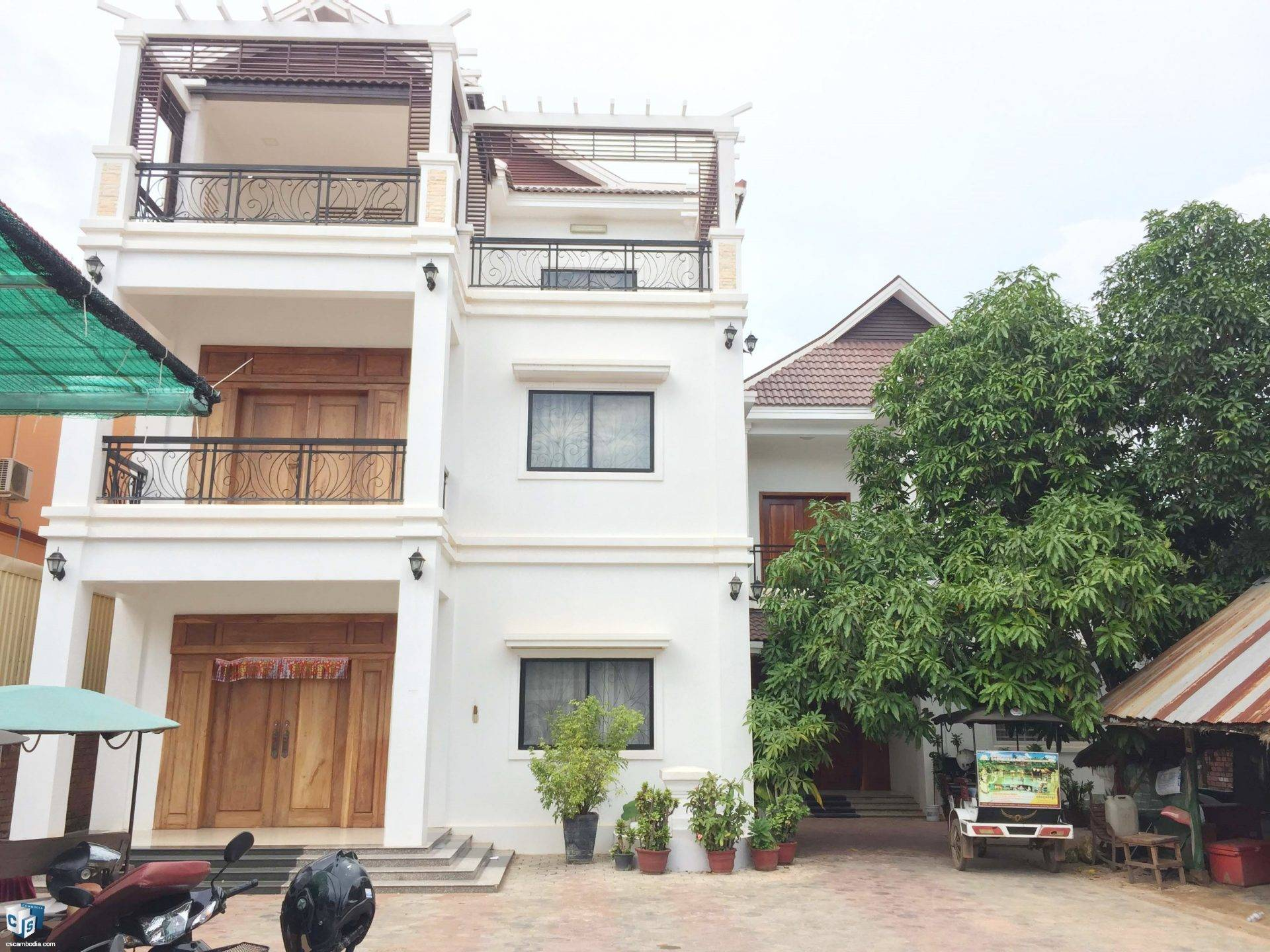 2 House with 10 Bedroom – For Rent- Kruos Village – Svay Dangkom Commune – Siem Reap