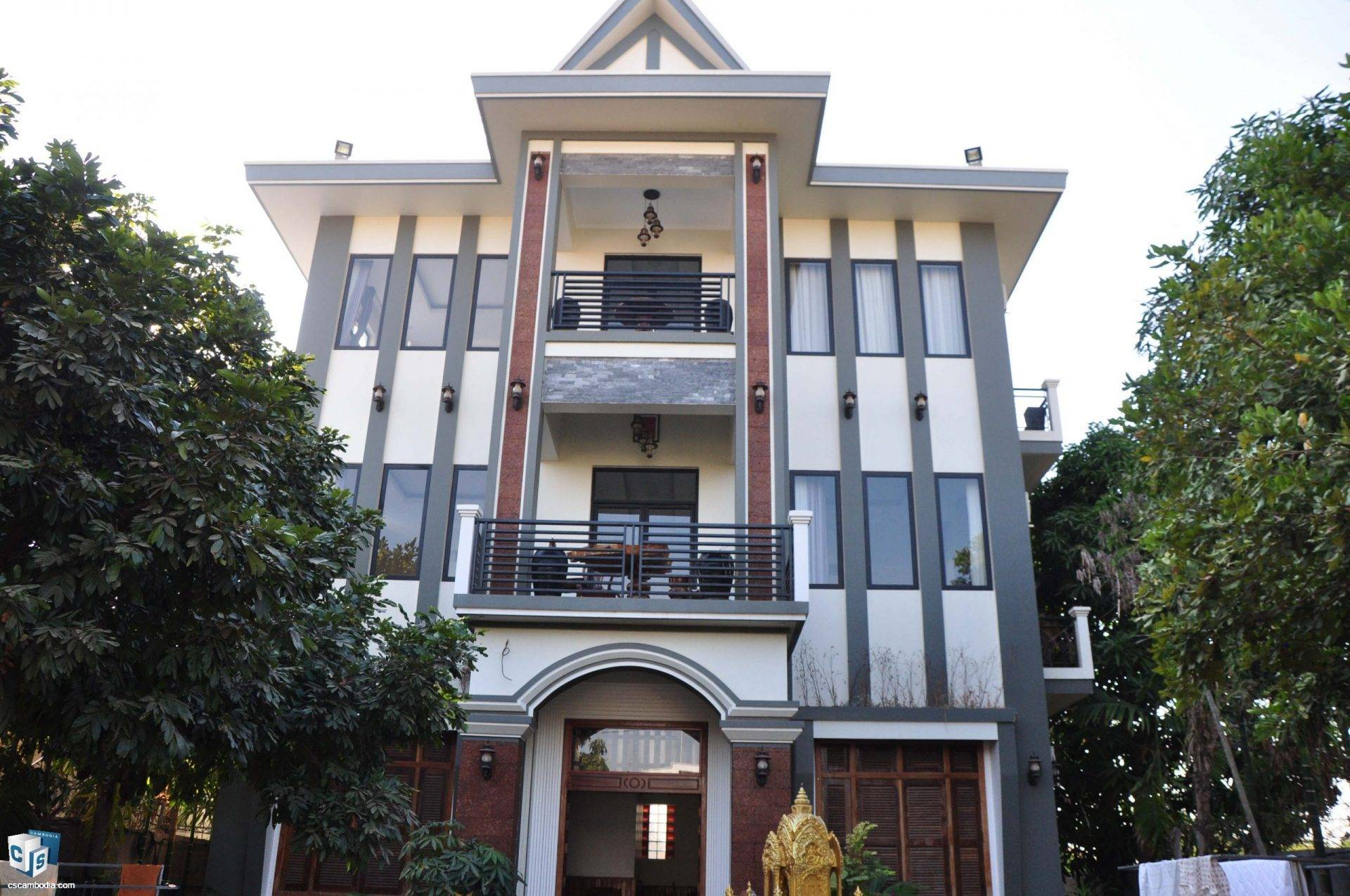 10 Room Guest House – For Rent – Svay Dangkum – Siem Reap