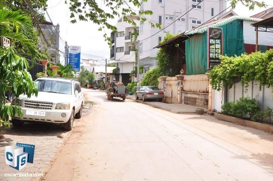 House-Land For Sale In Night Market-Siem Reap