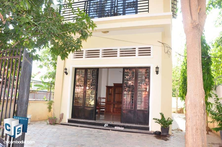 2-Story House For Sale In Svay Dangkum-Siem Rea