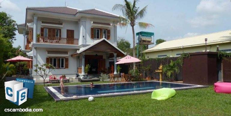 Five Bedrooms Pool Villa For Rent In Svay Dangkum